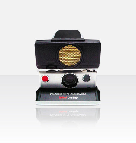 Polaroid SX-70 Sonar (Black) Camera Starter Package